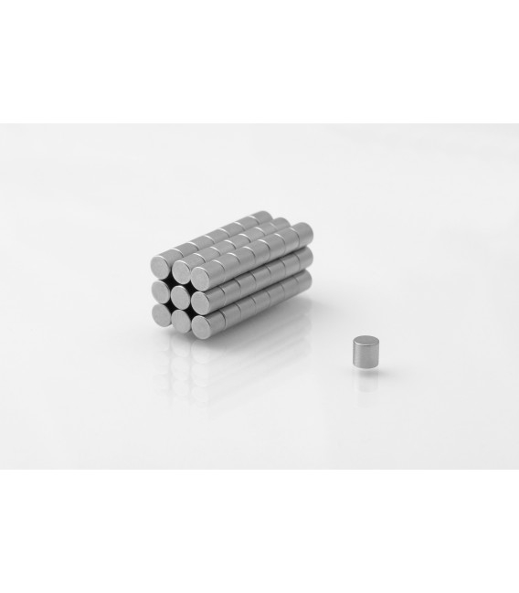 Neodymium disc magnet  4x4 thick N38